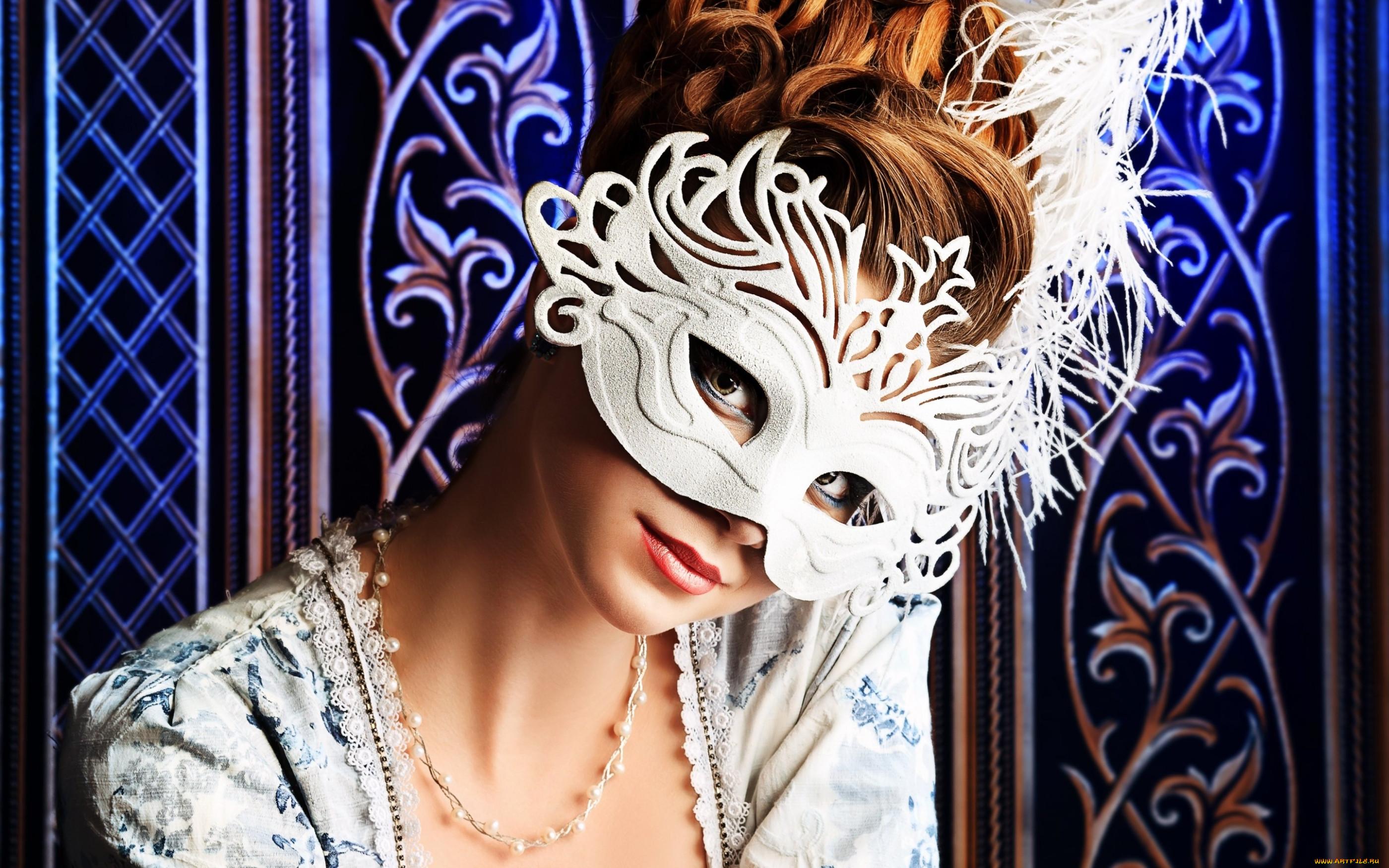 карнавальная маска как фотоэффект недавно